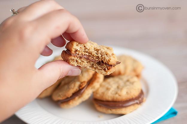 2012-07-31-peanutbutternutellaoatmealsandwichcookies.jpg