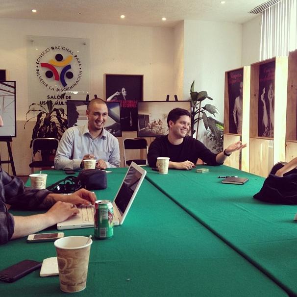 2012-08-01-reunionconmedios.jpg