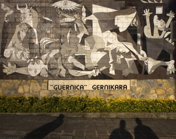 2012-08-02-Mural_del_Gernika.jpg