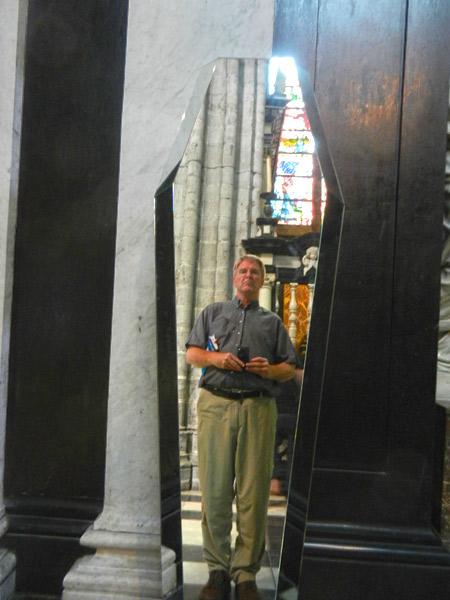2012-08-14-coffininAntwerp.jpg