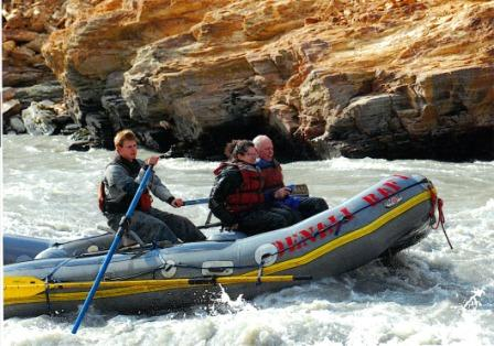 2012-08-17-whitewaterraftingcouple.JPG