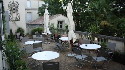 2012-08-20-HotelLeGuilhemBreakfastTerraceHP.jpg