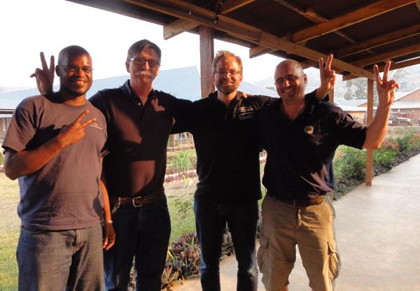 2012-08-27-congo_matt_volunteers-congo_matt_with_volunteers2012.jpg
