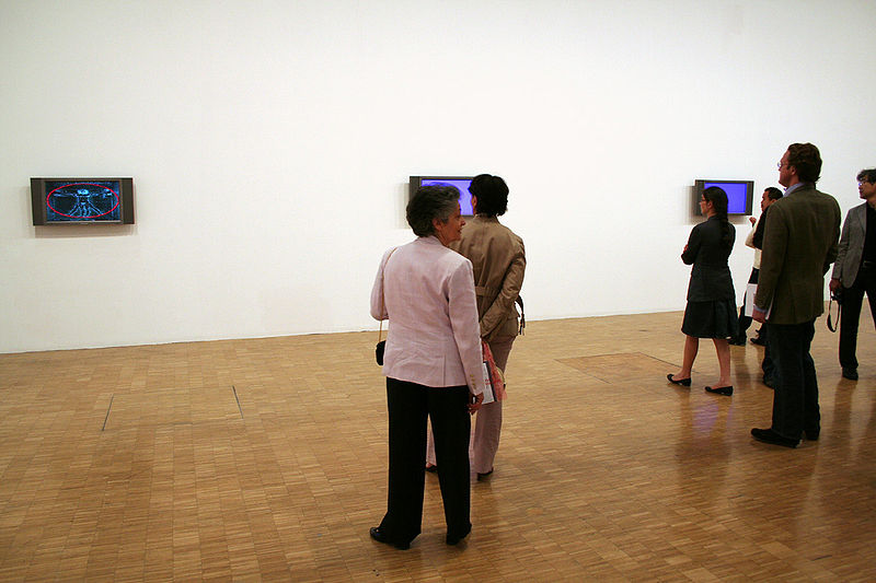 2012-08-29-800pxClosky_Manege_Prix_Duchamp_opening_artlibre_jnl.jpg