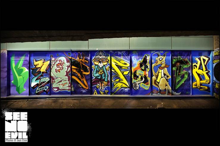 2012-08-29-brooklynstreetartKTFcrewiancoxseenoevil0812web3.jpg