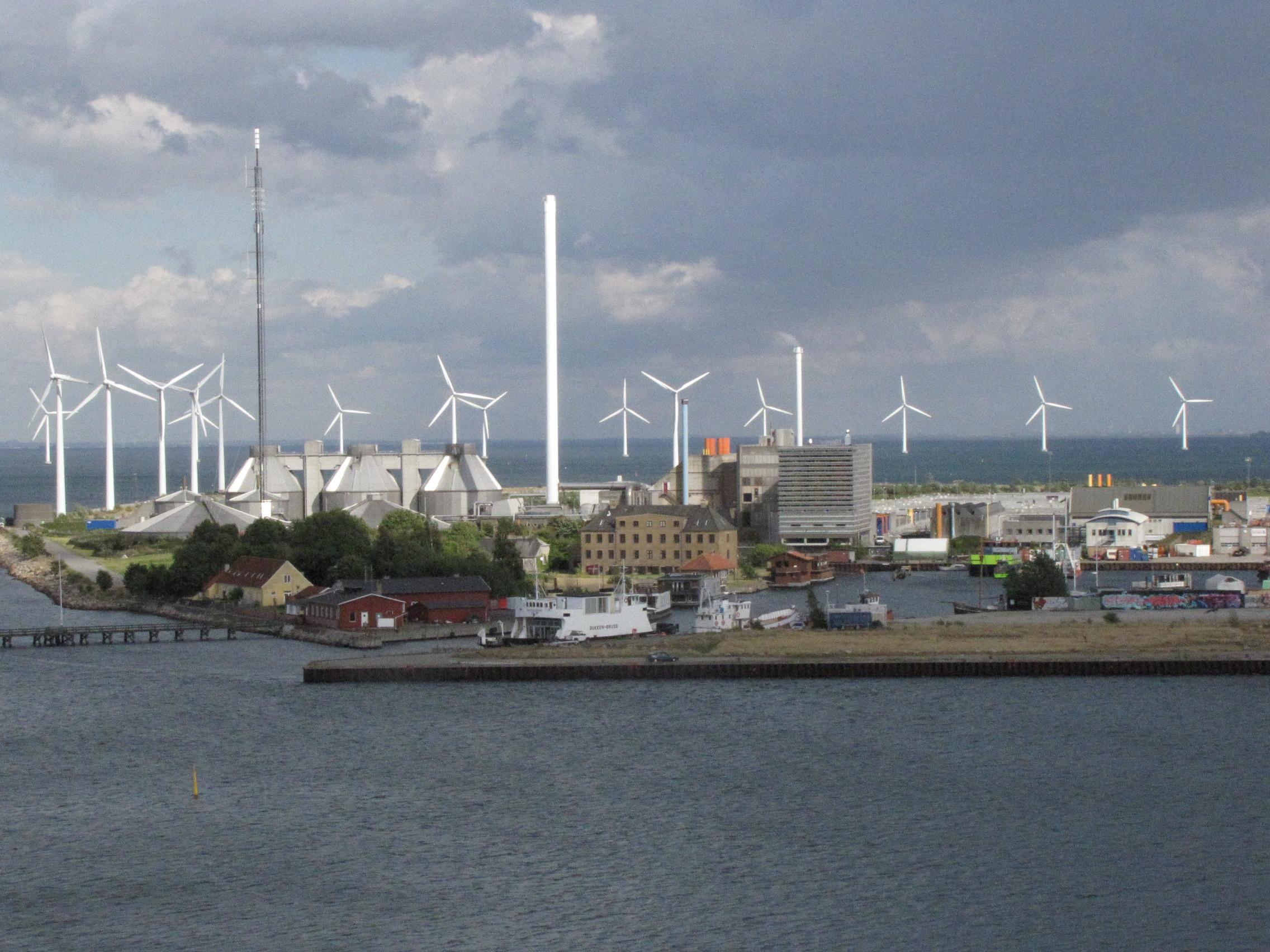 2012-08-29-windincopenhagehharbor.jpg