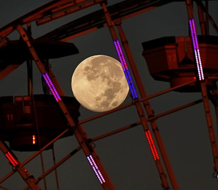 2012-09-03-BlueMoonSetSMa.JPG