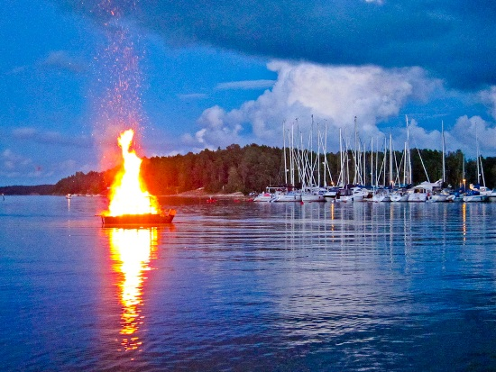 2012-09-03-BurningBoat.jpg