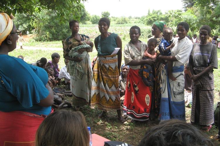 2012-09-03-Womenaskingforhelp.JPG