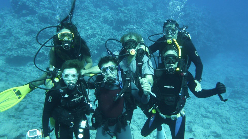 2012-09-05-GroupPicunderwater.jpg