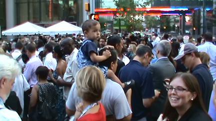 2012-09-07-crowd7363sm72.jpg