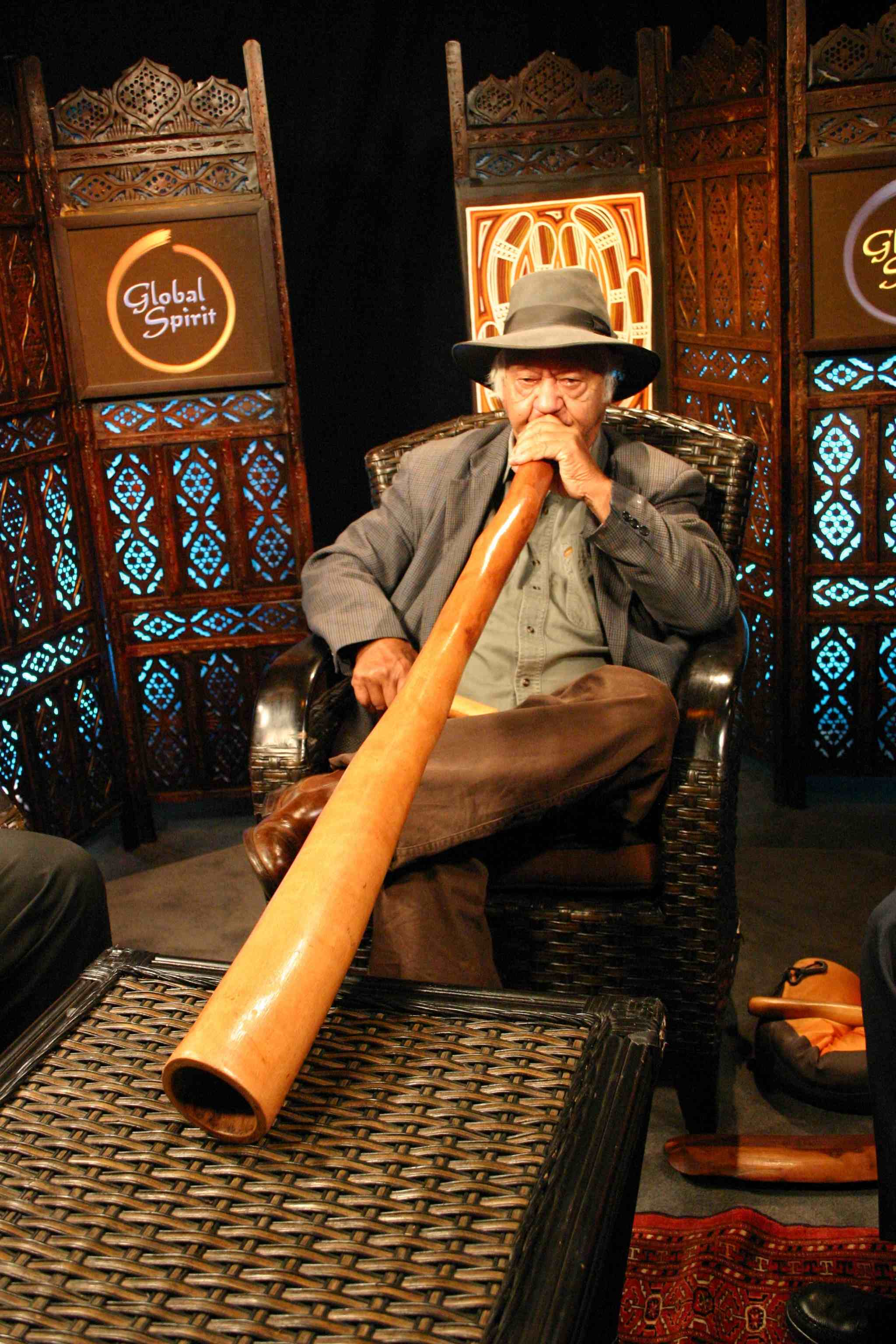 2012-09-12-DREAMSBillplaysDidgeridoo.jpg