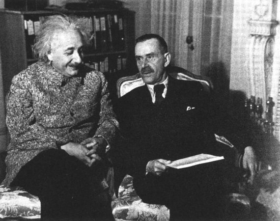 2012-09-16-20120908Thomas_Mann_with_Albert_Einstein_Princeton_1938.jpg