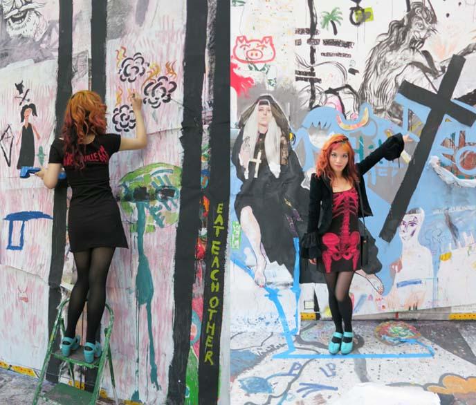 2012-09-17-120528_berlin_art_gallery_paintings_exhibit_young_artists_skeleton_dress_colored_hair_6.jpg