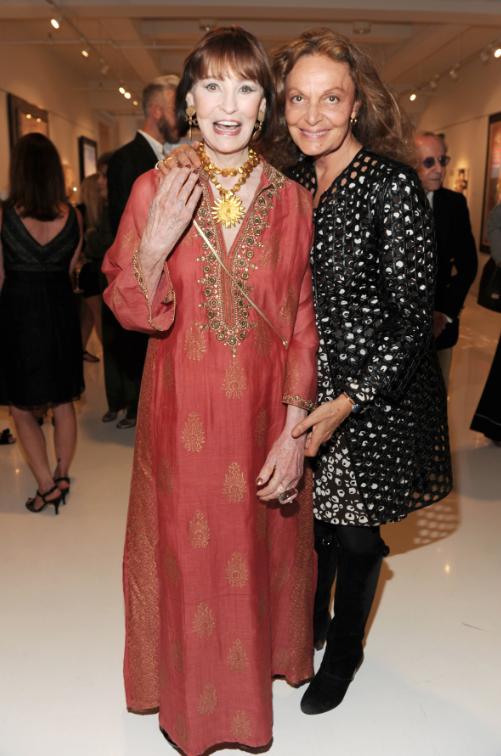 Gorgeous Gloria Vanderbilt Showcases Her Artwork At