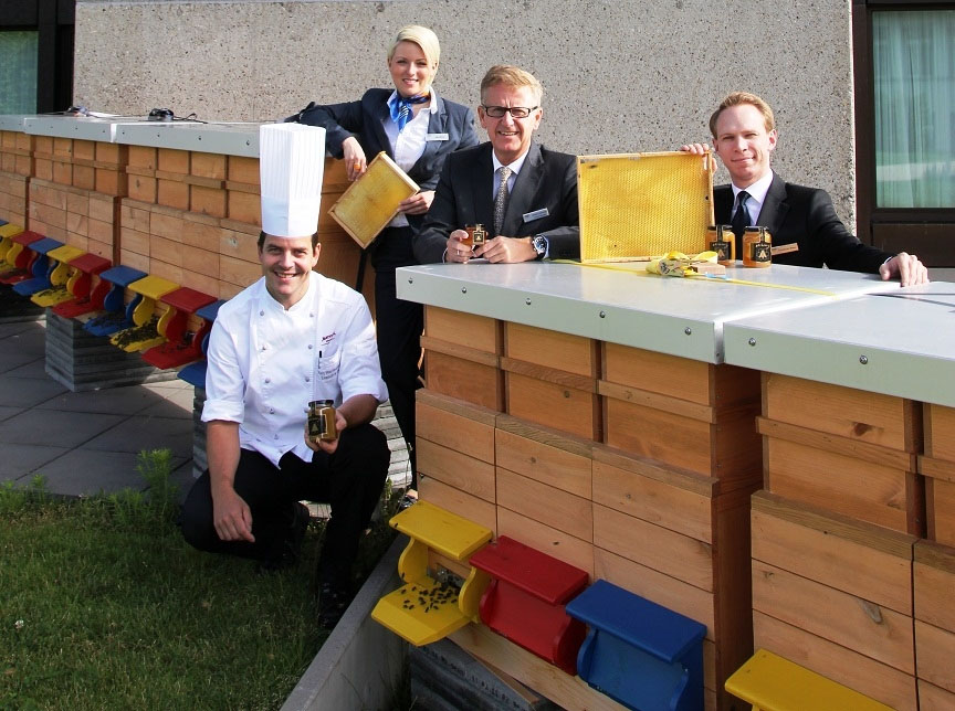 2012-09-18-ZurichRooftop.jpg