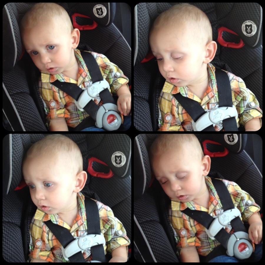 2012-09-19-Charliefallsasleepinthecar2.jpg