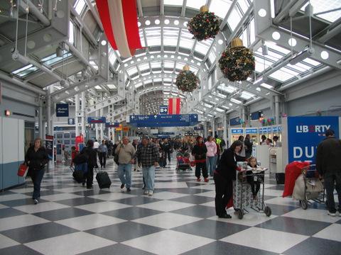 2012-09-20-DonnaAirport.jpg