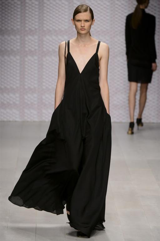 2012-09-22-DAKSWomenswearSpringSummer2013.jpg