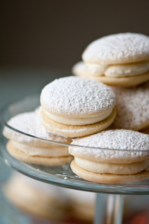 2012-09-25-cookie_passion_coconut_main.jpg