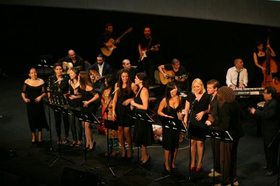 2012-09-27-BerkleeValenciastudents.jpg