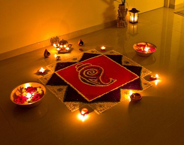 2012-10-03-609pxThe_Rangoli_of_Lights.jpeg