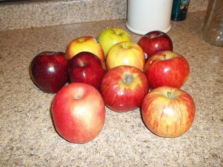 2012-10-15-wholeapples.jpg