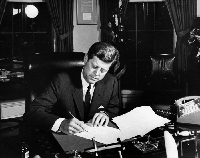 2012-10-22-October_23_1962_President_Kennedy_signs_Proclamation_3504_authorizing_the_naval_quarantine_of_Cuba.jpg