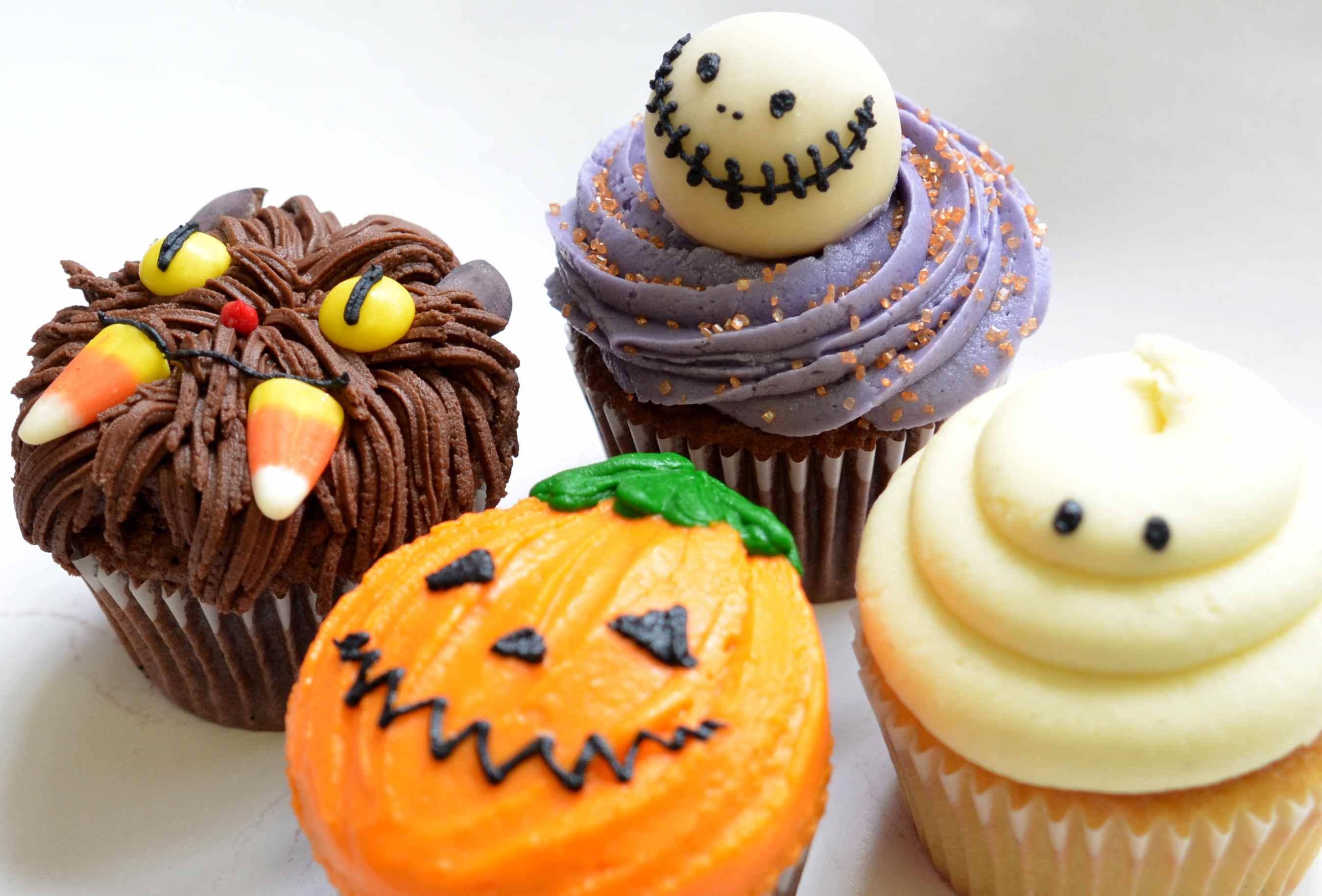 Resultado de imagem para halloween bakery ideas