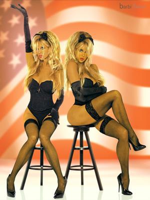 2012-10-26-corsets_flag_barbi_twinsweb.jpg