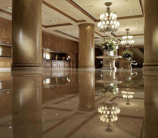 2012-10-28-TheRitzCarltonSeoulLobby2.jpg
