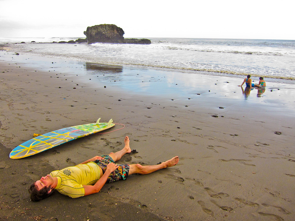 2012-10-30-SurferSleeping2.jpg