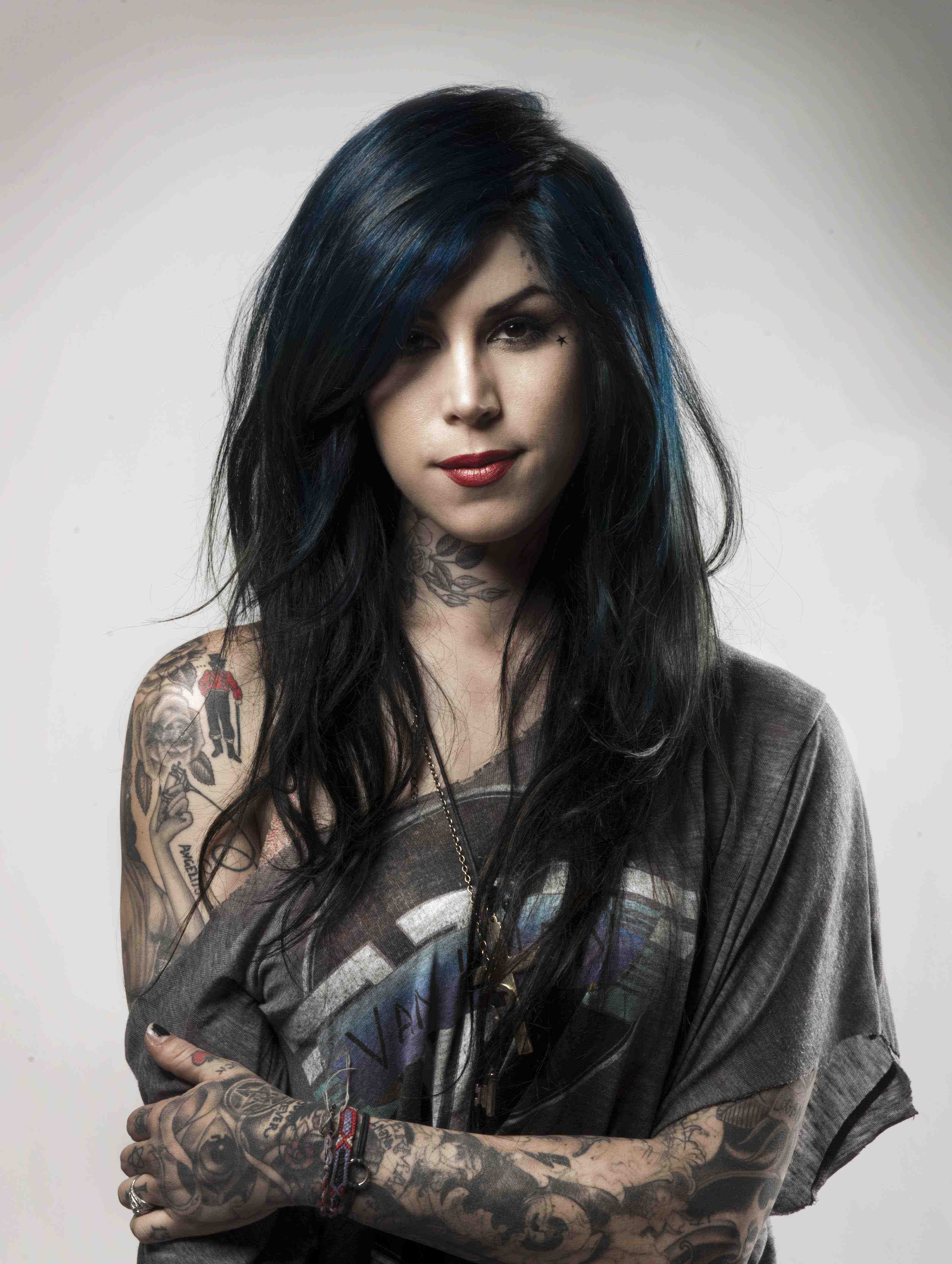 Oral hygiene habits of the interesting l a ink 39 s kat von for How to get tattooed by kat von d