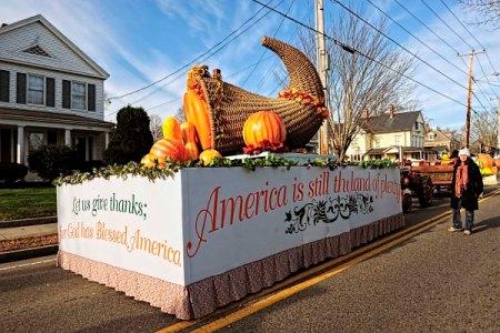 2012-11-06-AmericasHometownParade.jpg