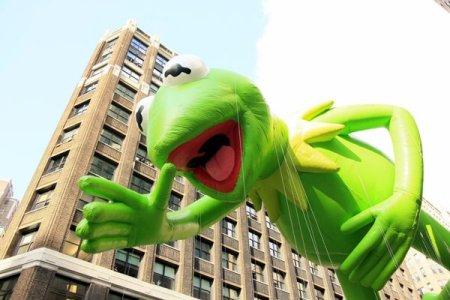 2012-11-06-KermitTheFroginMacysThanksgivingDayParade.jpg