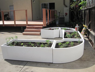 2012-11-06-KimbalMusk.finished.gardens.jpg