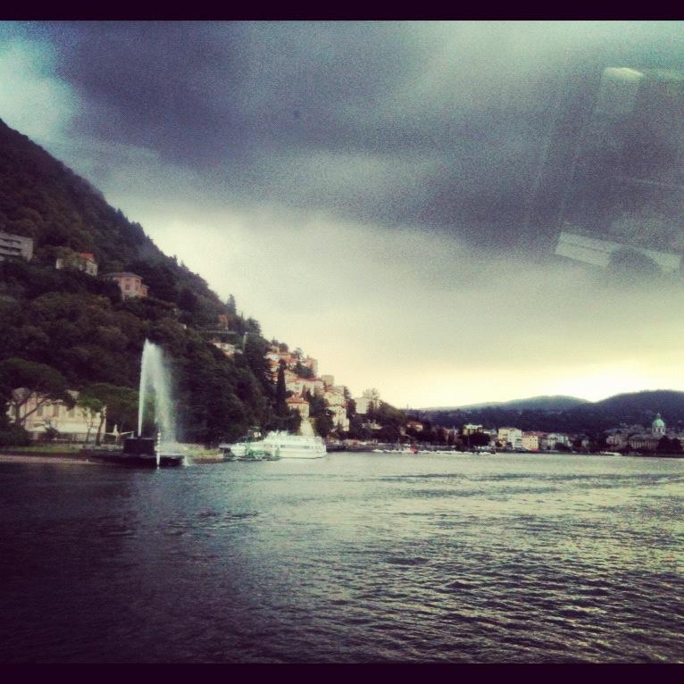 2012-11-06-lago_como_fuente.JPG