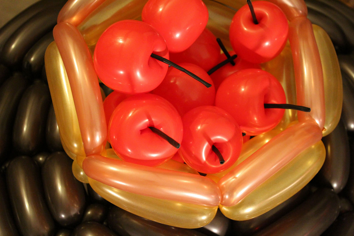 2012-11-09-inflatedapples