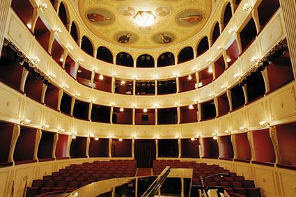 2012-11-09-theatreapollo.jpg