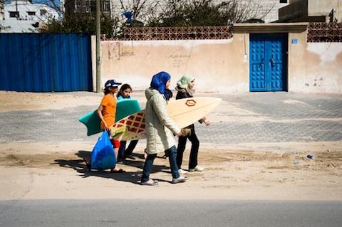 2012-11-12-images-GazaSurferGirls2.jpg