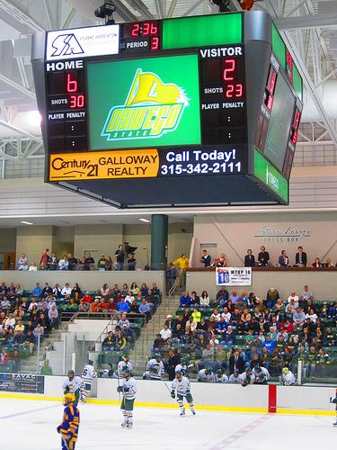 2012-11-13-OswegoHockey.jpg