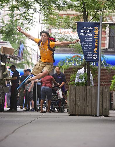 http://images.huffingtonpost.com/2012-11-15-HPEvan_Ruggiero_Sloane_Kettering_Dancers_Among_Us78.jpg