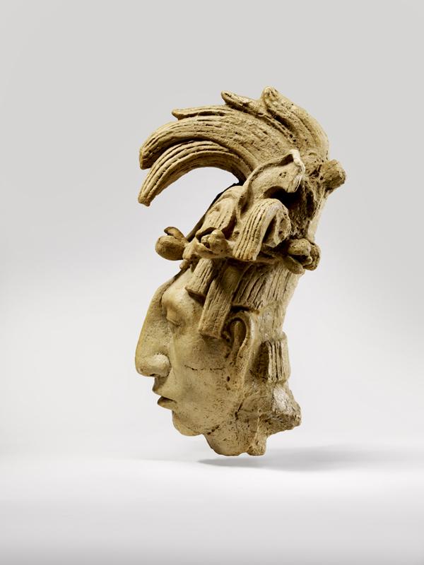 2012-11-15-MQBSculptureduvisageduroiKinichJanaabPakalmoulageMayadesBassesTerres.palenqueMexiqueAmriquemuseduquaiBranlyphotoClaudeGermain.jpg