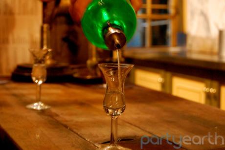 2012-11-15-wynandfockink_PartyEarth.jpg