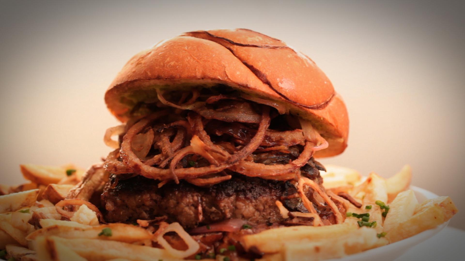 2012-11-17-Onion7Way_Burger_STILL_1.jpg