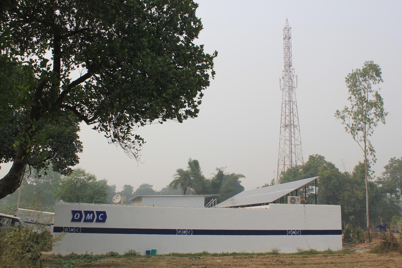 2012-11-18-Indiasolarcelltowerpic2.jpg