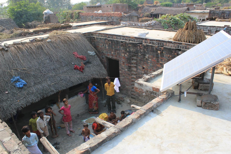 2012-11-18-Indiasolarminigridpic1.jpg
