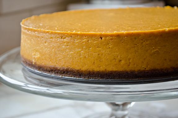 2012-11-20-finishedcheesecake.jpg