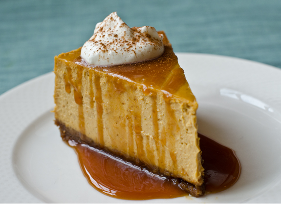 Pumpkin Cheesecake With Gingersnap Crust And Caramel Sauce ...