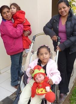 2012-11-28-SkeesBFGPerufamilies.jpg